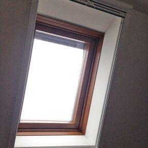 Dach Kunststofffenster mit Holzoptik