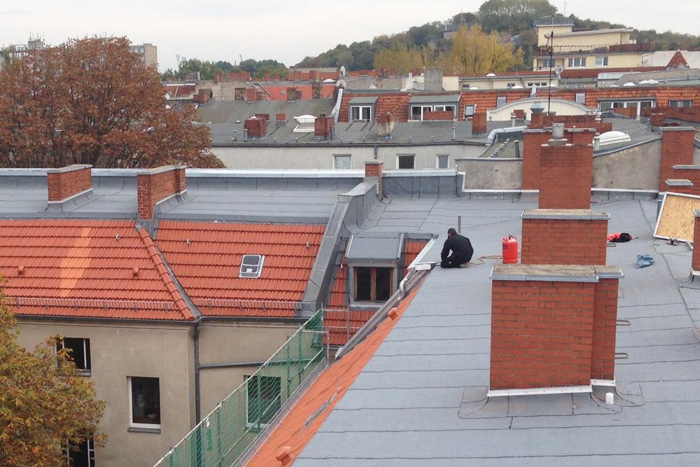 Erneuerung Dacheindeckung und Abdichtung mit Bitumenschweißbahnen Icopal