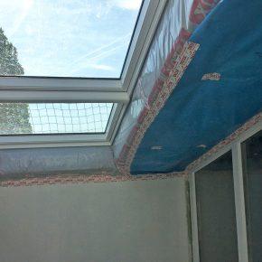 Nachher neue Velux-Dachfenster – Lichtband elektrisch zu bedienen
