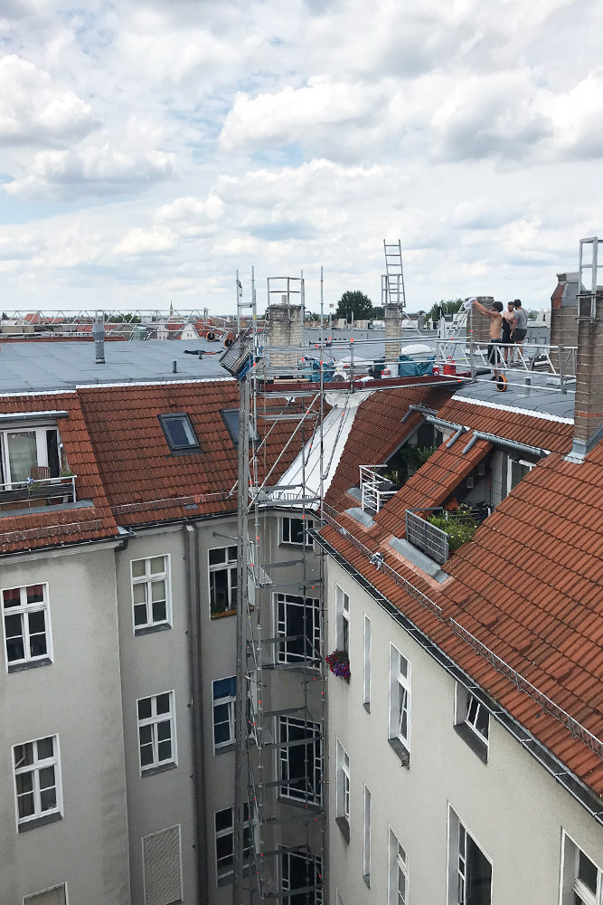 Überarbeitung einer 25 Jahre alten Flachdachfläche mit einer Ertüchtigungslage Icopal